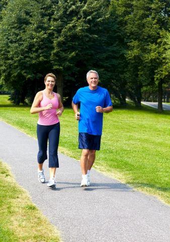 Få lyst til at træne - Det kan være svært at komme i gang med træningen, men tænker du motion ind i din hverdag, vil det blive mere naturligt for dig og langsomt vække lysten til at træne. Her får du 3 enkle råd til motion i hverdagen. | Slankeklubben.dk