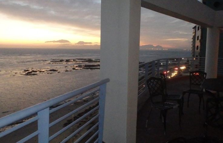 The Ocean View Hotel on Strand Beach can accommodate up to 250 people for a cocktail or finger fork reception, 150 guests seated at round tables and dinner dance type functions are most comfortable at 120 persons with the adjourning rooms being used for the dinner buffet set up.