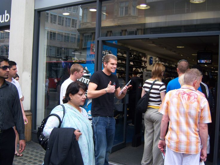 Leaflet Distribution Staff  Adhouse approached Event Staffing Agency London on behalf of Footlocker wanting a simple but effective promotion, to drive footfall, generate an increase in consumer interest, and drive sales across their two Oxford Street stores. As leading event staffing agency we...