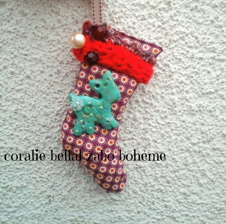 Botte chaussette de Noël tissu bohème faite-main,paon en céramique,laine : Décorations murales par coralie-zabo-boheme