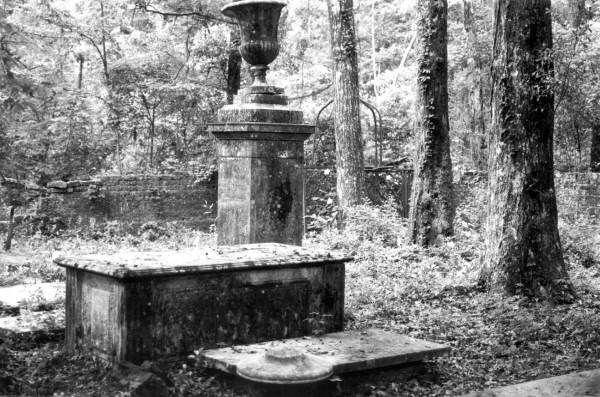 Cemetery at Vedura Plantation : Leon County, Florida.  Benjamen Chaires Sr. was Florida's first millionaire.  The Tallahassee area was rich in plantations.
