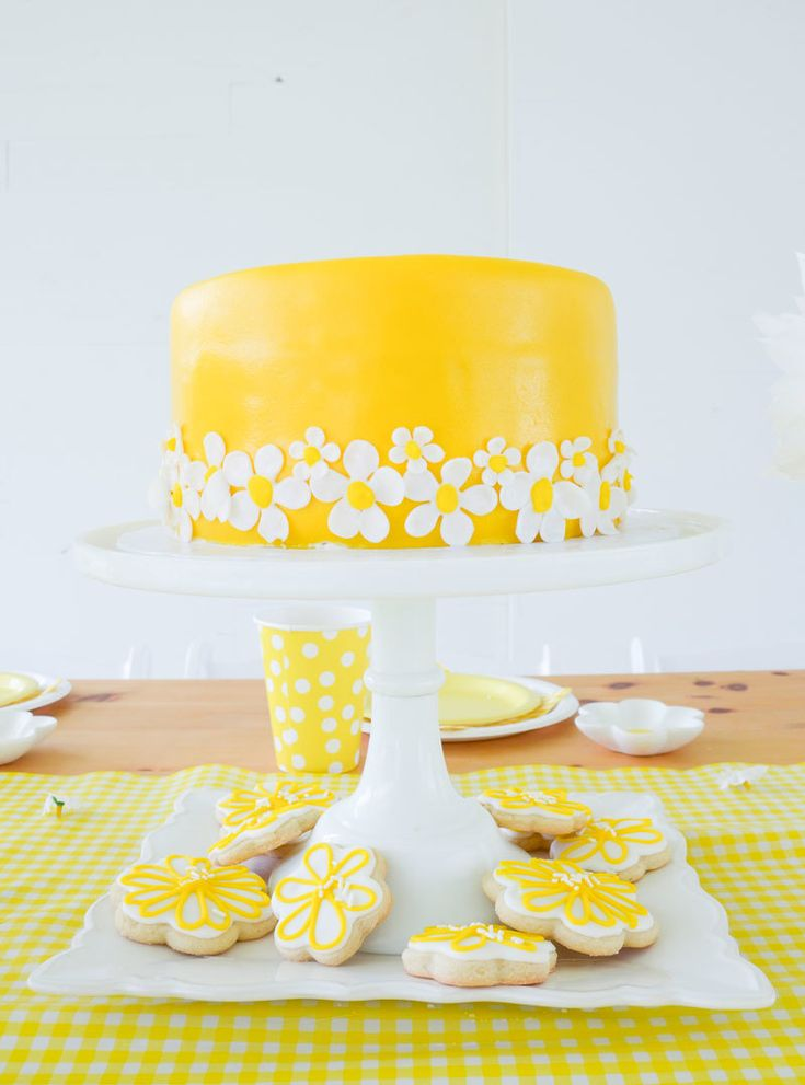 daisy party by lindi haws of love the day