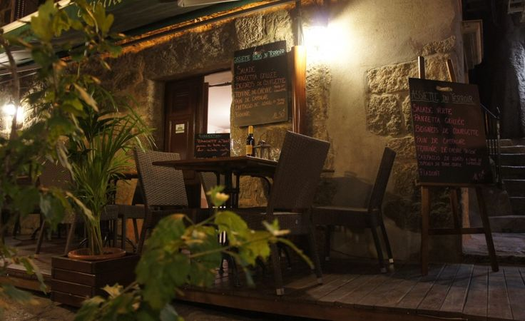 Tiny restaurant in Sartene, Corsica - www.earthseeing.com