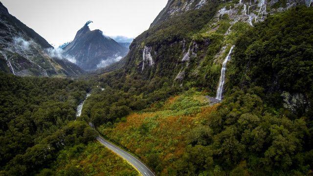 Milford Sound Highway, Fiordland, New Zealand