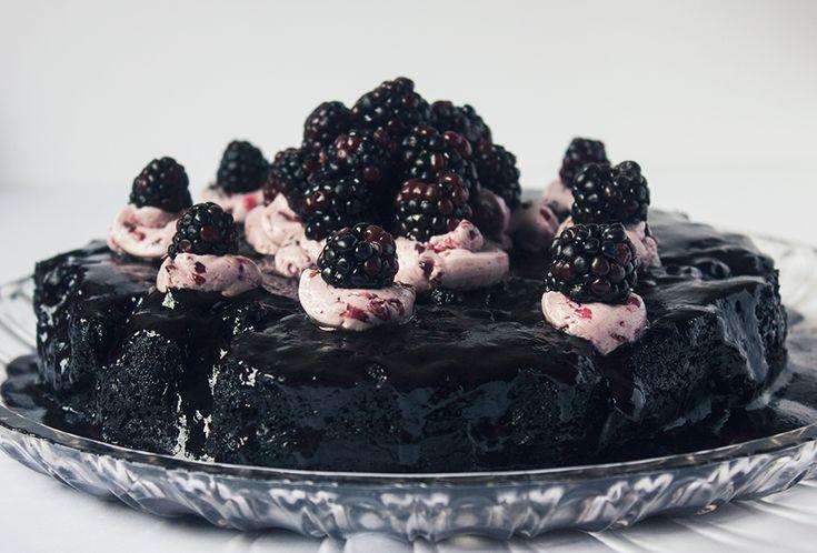 Preferata-Tort de ciocolata ,post;e foarte consistent,cu unt de cocos