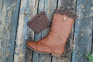 Lace Boot Cuff, free pattern download on Ravelry