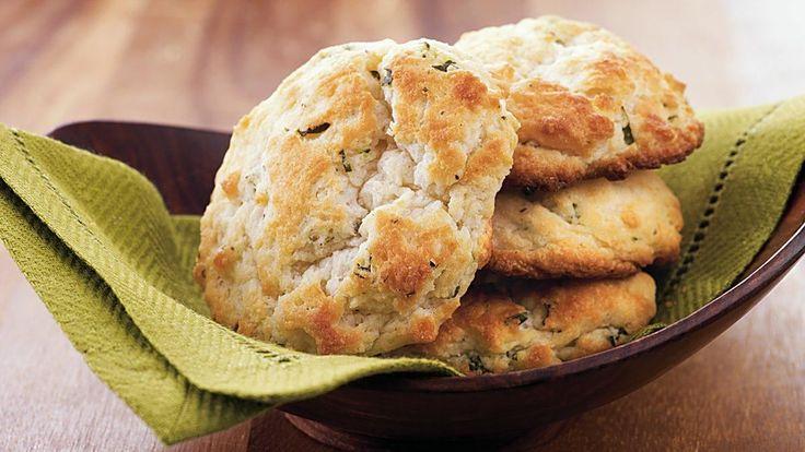 Ces scones seront parfaits pour être trempés dans un bol de ragoût fumant ou de soupe nourrissante bien chaude.