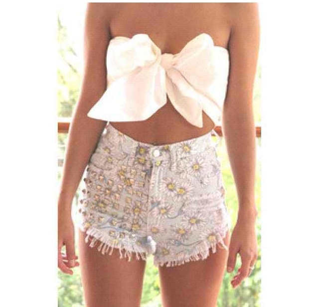 Crop top- high waisted shorts | c r o p THAT | Pinterest ...