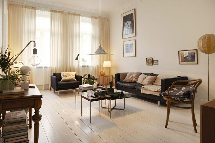 Living room in Döbelnsgatan. Via Fantastic Frank.