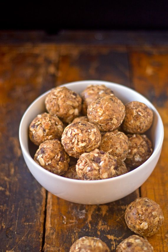 Peanut Butter Oat Snack Balls for #FoodieExtravaganza - Mrs. Penguin