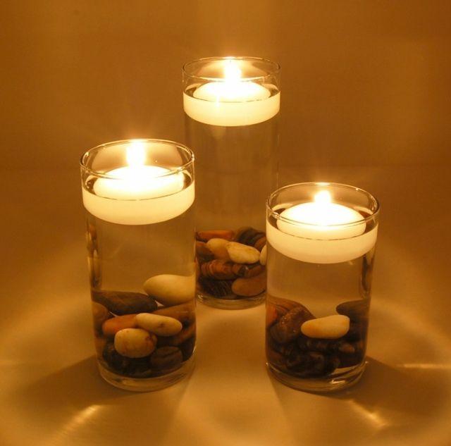 Deko für den Tisch - Schwimmende Kerzen mit Kieselsteinen