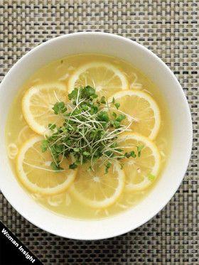 さっぱりレモンの塩ラーメン - Lemon Ramen