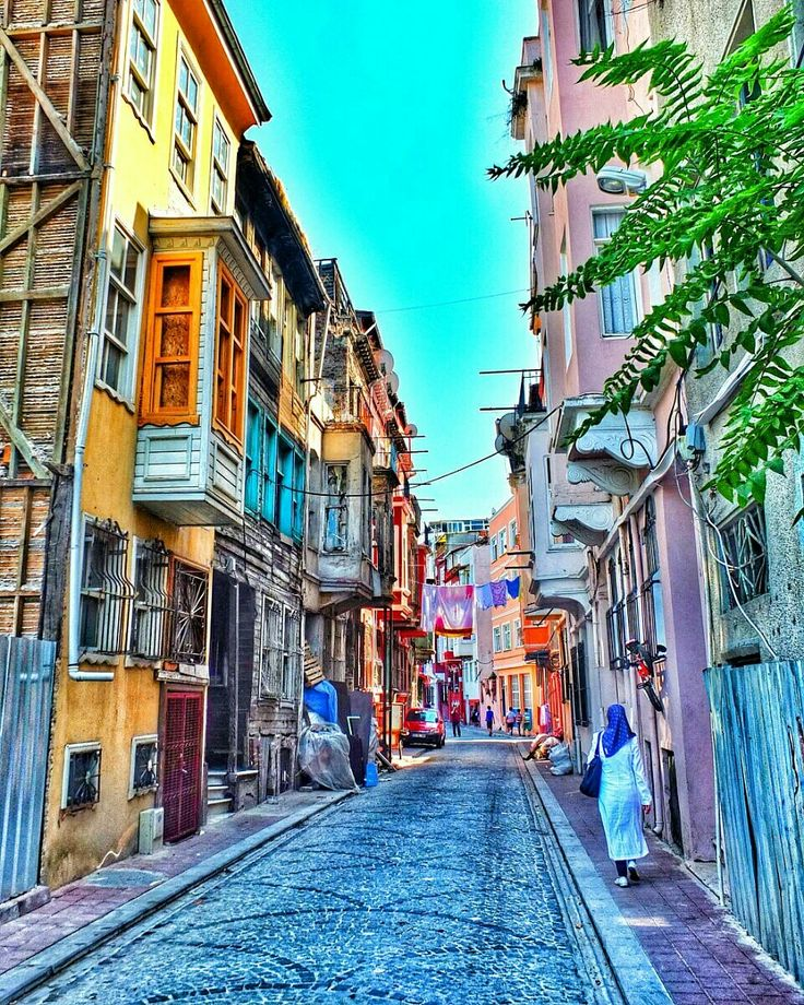 Lazzy Day in ISTANBUL  KULTDEKO is on the road! Balat is so colorful...
