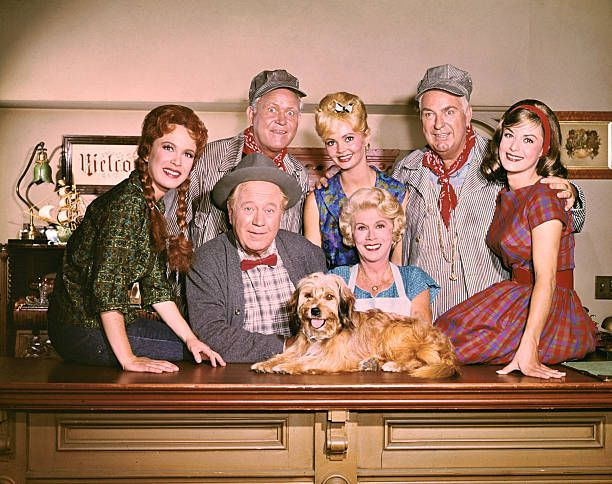 Cast of the TV series Petticoat Junction Front row left to right Linda Henning Edgar Buchanan Bea Benaderet Lori Saunders Back row left to right...