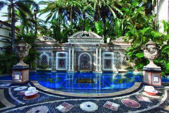 The swimming pool at #CasaCasuarina