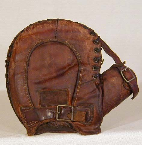 First basemen's mitt. Vintage Baseball Gloves - Antique Baseball Gloves