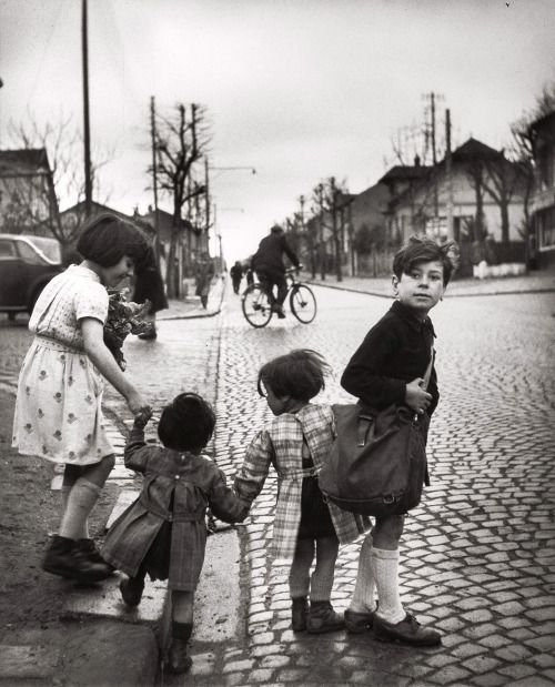 Les Enfants de Villejuif, 1945 © Robert Doisneau