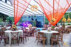 Esse lugar lindo da foto é a Mansão Carioca onde vai acontecer a EXPOFESTASRJ no dia 06/11. O evento é GRATUITO com degustações dos Buffets Open Bar Doces Bolos apresentações dos Músicos etc. Tudo pro seu casamento e com no mínimo 30% de desconto! Presença confirmada: sim ou claro?  Informações  http://ift.tt/1MbYWAG telefone: (21) 3387-8388 ou no e-mail: mansao@mansaocarioca.com.br