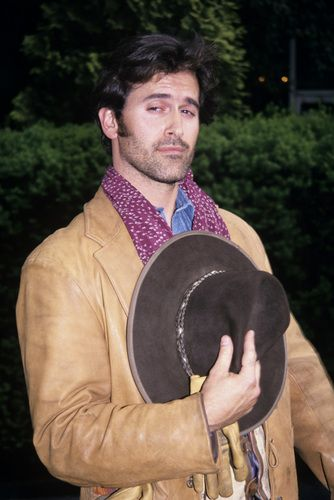 Bruce Campbell - Brisco County Jr. - holy cow how I used to love this show..