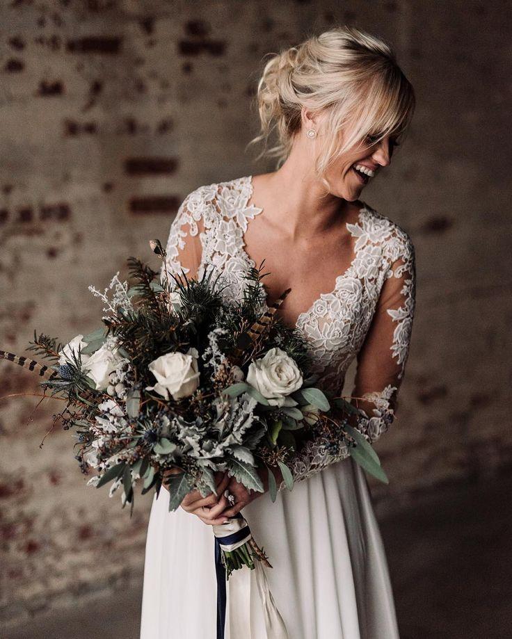 Winter bride, winter bouquet, long sleeve wedding dress, bridal look, industrial wedding. Kelcy Leigh Photography. Kelcy (Nash) Enriquez (@kelcyleighx) • Instagram photos and videos