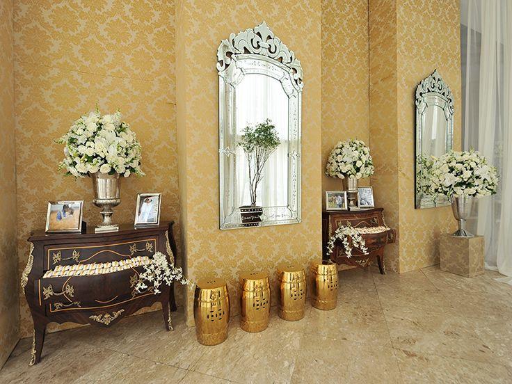 Entrada decora o cl ssica casamento flores brancas e for Casa classica moderna