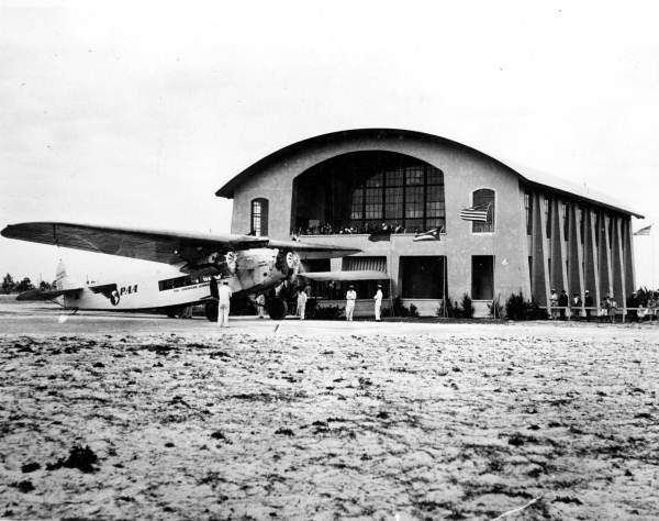 Persistent URL: www.floridamemory.com/items/show/27180   Local call number: RC03577   Title: Pan American World Airways plane by terminal - Key West   Date: 1927   Physical descrip: 1 photoprint - b&w - 8 x 10 in.   Series Title: Reference Collection   Repository:  State  Library and Archives of Florida, 500 S. Bronough St., Tallahassee, FL  32399-0250 USA. Contact: 850.245.6700. Archives@dos.myflorida.com