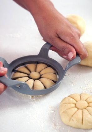 new use for that apple slicer. Impress upon bread buns