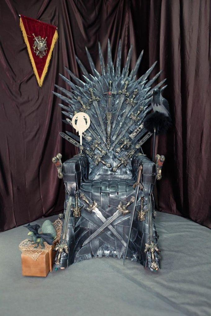 В Екатеринбурге продают единственный Железный трон Вестероса - УралПолит.Ru