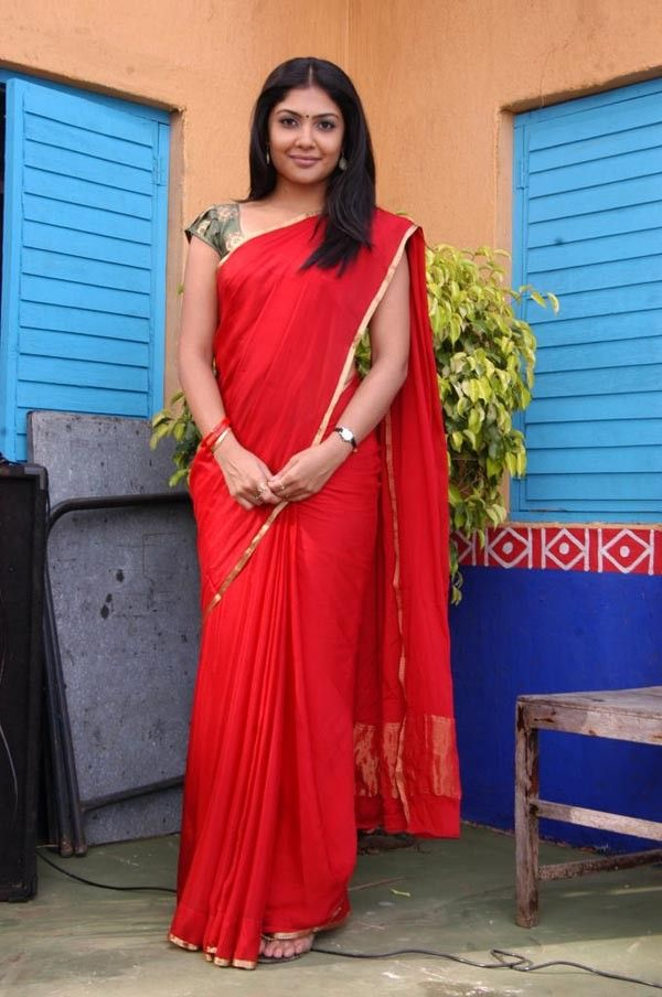 Tollywood Actress Hot In Red Saree Kamalinee Mukherjee