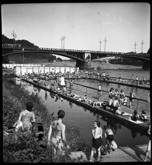 Under Cechuv bridge, Prague, Czechoslovakia, 1940-49, photograph by Bohumila Havránková.