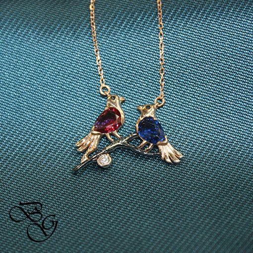Rose Kırmızı ve Lacivert Taşlı Kuş Kolye  Besen Gümüş www.besengumus.com  #besen #gümüş #takı #aksesuar #rose #kırmızı #lacivert #taşlı #kuş #kolye #izmit #kocaeli #istanbul #besengumus #tasarım #moda #bayan  Fiyat Bilgisi ve Satın Almak İçin https://besengumus.com/kolye/rose-kirmizi-ve-lacivert-tasli-kus-kolye.html  Sorularınız İçin Whatsapp 0 544 6418977 Mağaza 0 262 3310170