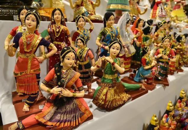 Indian  dancing  dolls