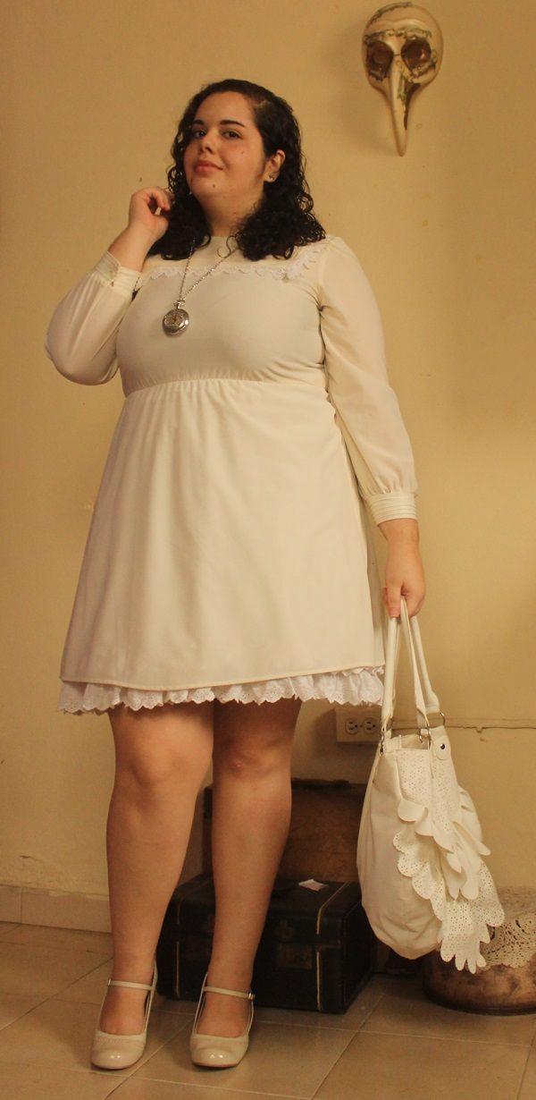 Размер США 16. Тот факт, что я ношу карманные часы ожерелье и старинные платья заставило меня думать милый путешественника во времени