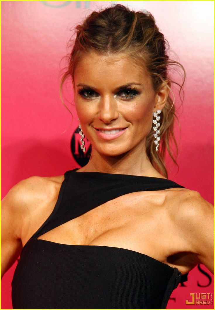 Marisa Miller Wears 3 Million dollar Bra at VS Fashion Show