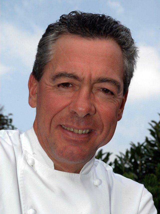 Philippe Rochat - Siamo in Svizzera dove si riconosce ancora il tocco decisivo di Philippe Rochat, ormai ritiratosi. Il suo apporto è stato fondamentale nel reinventare e sviluppare la haute cuisine degli ultimi decenni.