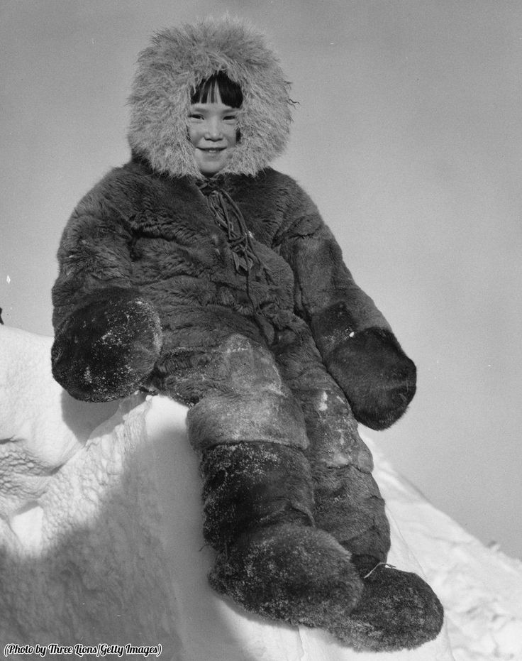 A young Inuit girl bundled up in traditional winter clothing, circa 1955. https://t.co/0uucXi6tFj
