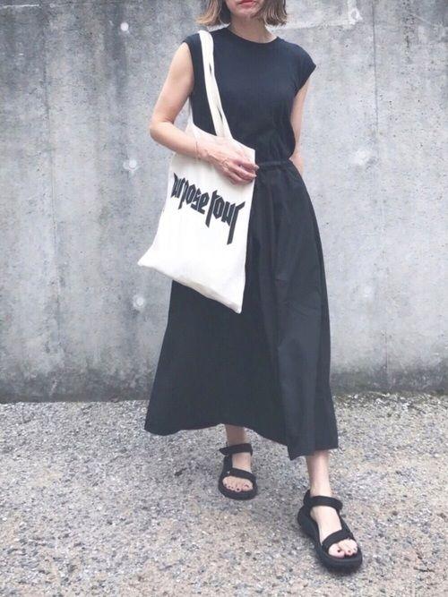 黒×黒。 スカートがとっても楽ちんで涼しくて、 お休みの日にピッタリでした。 インスタ  amy1