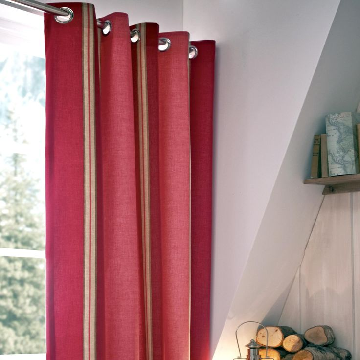 Blake Red Thermal Eyelet Curtains | Dunelm