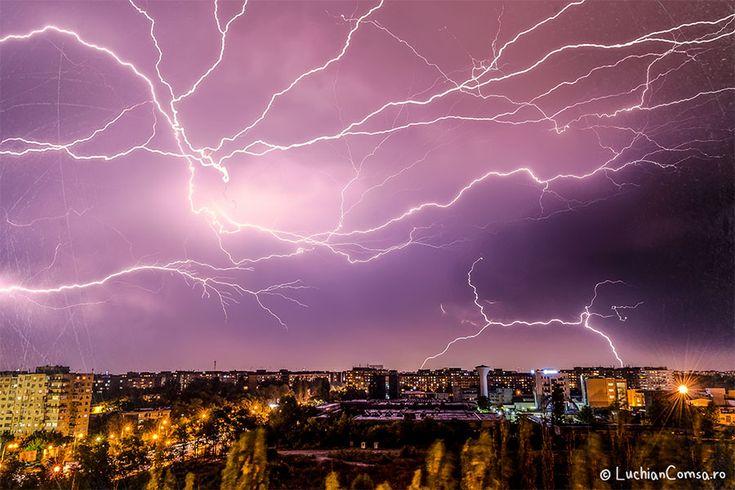 Fulgere peste Bucuresti - 12.09.2013