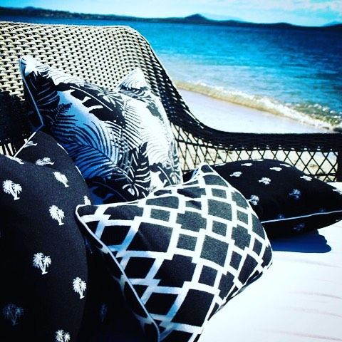 Beach Life | Outdoor Cushions in our 'Coast Collection' Range #3beaches #sunbrella #coastcollection #faderesistant #waterresistant #stainresistant #luxury #woven #outdoorfabric #outdoorcushions #australiandesigners #textiledesign #interiordesign #beachstyle #beachlife #blueandwhite #navyandwhite