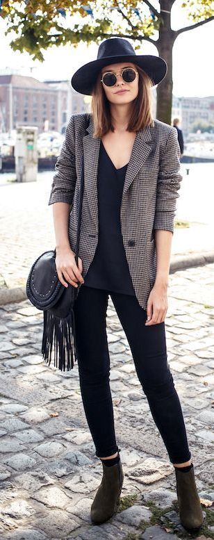 Style It! V Neck Top + Blazer + Skinny Jeans + Hat + Boots