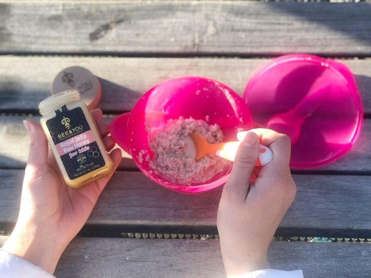 Have you started incorporating royal jelly into your daily routine? Here's how we've been starting our day with it and the royal jelly health benefits are endless for your whole family.