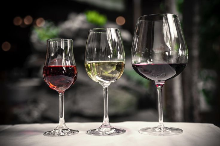 NAJBOLJI RESTORAN ZAGREB Dječji park, pristup invalidima u sve djelove restorana, cigar klub, bogata vinoteka sa oko dvjestotinjak vrsta vina, VIP salon, kamin sala, kuhinja po HCCP standardu. sam uredio dječji park, pristup invalidima u sve djelove restorana, cigar klub, bogatu vinoteku sa oko dvjestotinjak vrsta vina, VIP salon, kamin salu, kuhinju po HCCP standardu.   http://www.potkova.eu/o-restoranu/