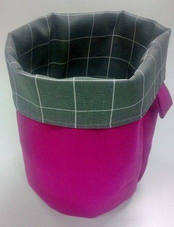 Ripaus pinkkiä pelastaa harmaan arjen. Hinta 27€