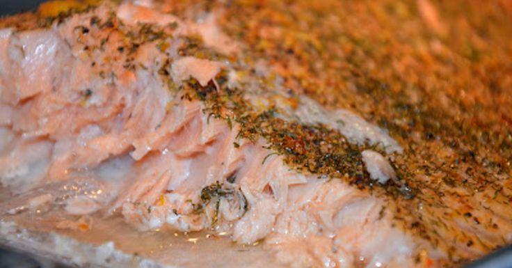 Dagen middag blev laxfilé som steks i ugnen på saltbädd, pressad potatis och en god kall romsås med räkor mmmmmmm så gott