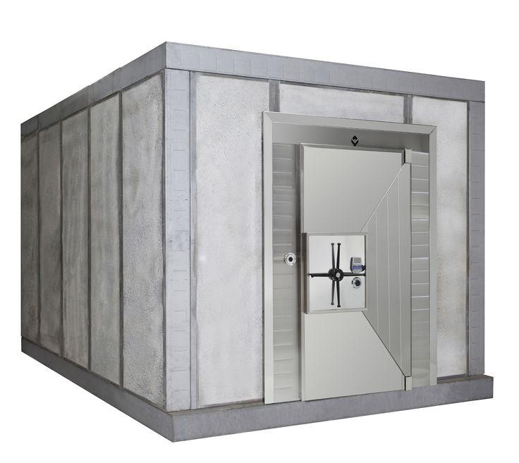 Большой шкаф в однокомнатной квартире фото девушка сможет