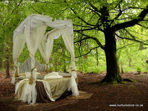 Do you take stories outside? Try these forest school storytelling ideas you can use at home and school, inspired by The Spellbound Forest