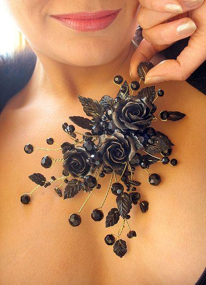 """Заколки ручной работы. Ярмарка Мастеров - ручная работа Гребень в готическом стиле """"Черные розы"""". Handmade."""