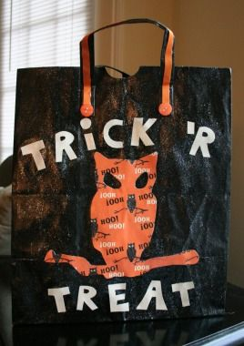 Last Minute Trick or Treat Bag - Our Favorite #Halloween Crafts from Pinterest!