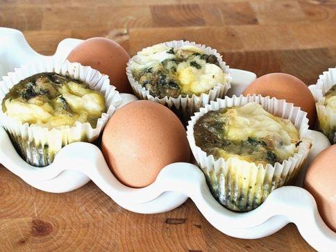 Muffins de huevo y queso. Mini muffin egg fritatas with cheese